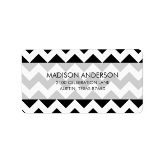 Black and White Zigzag Chevron Pattern