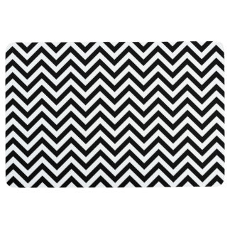 Black and White Zigzag Stripes Chevron Pattern Floor Mat