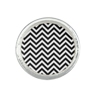Black and White Zigzag Stripes Chevron Pattern Ring