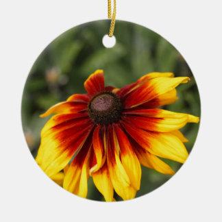 Black-eyed-Susan (Rudbeckia hirta) Round Ceramic Ornament