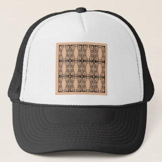 Black lace vanilla / black, beige trucker hat