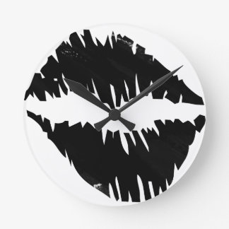 black-marker-goth kiss round clock