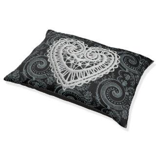 Black-Paisley-Heart-Crochet-Indoor-Outdoor-Beds Pet Bed