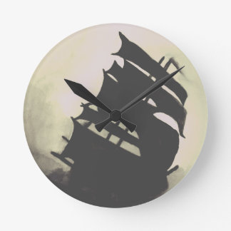 Black Pearl ship hand-painted Round Clock