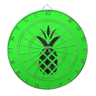 Black pine apple in Green Dartboard