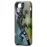 Black Rock Lizard on Forest Floor iPhone 5/5S Cover