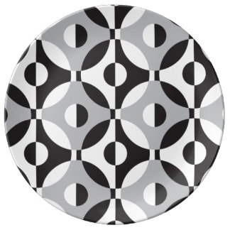 Black, white and grey geometric circles plate