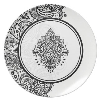 Black & White Floral Paisley Design Plate