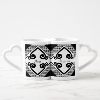 Black & White Lace Elegant Scrolls Wedding Lovers Mug Set