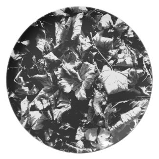 Black & White Leaves Plate