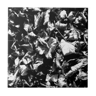 Black & White Leaves Tile
