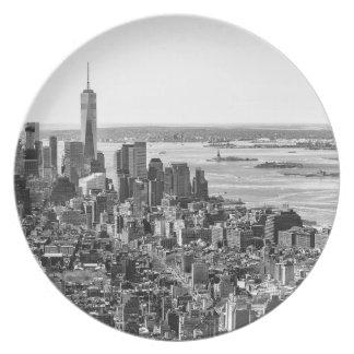 Black White New York City Skyline Plates