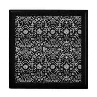 Black & White Ornate Pixel Design Gift Box