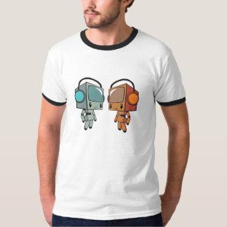 Blanc d'ensemble de baladeur de TV T-shirt