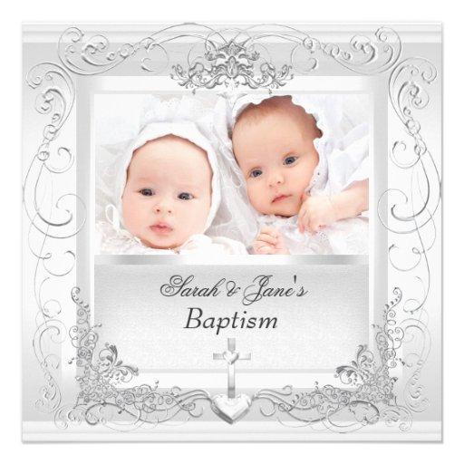 Blanc jumeau de baptême de baptême de garçon de bé invitation