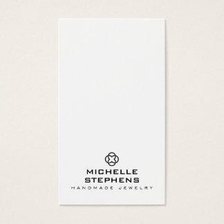 Blanc moderne de support de boucle d'oreille de cartes de visite