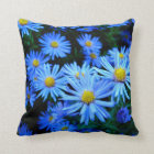 Blaue Blume Throw Pillow
