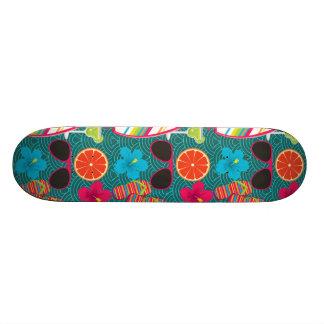 Bleu de ballon de plage de lunettes de soleil de b plateaux de planche à roulettes
