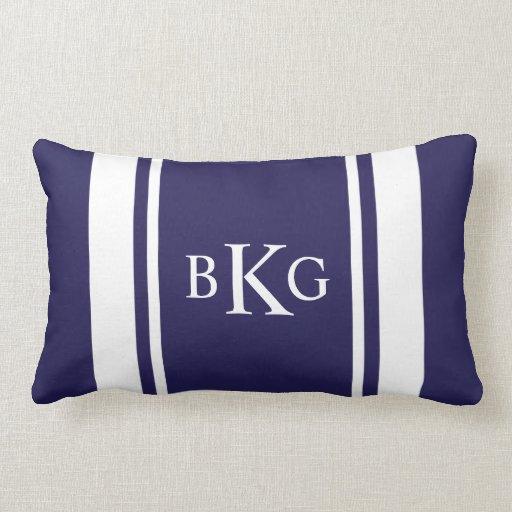 Bleu marine fait sur commande de monogramme et de  oreiller