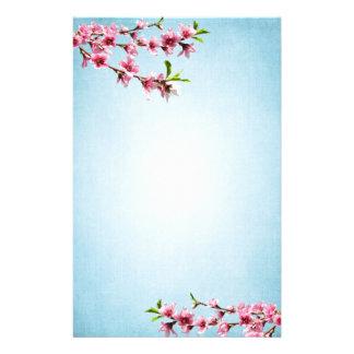Bleu vintage de fleurs de cerisier roses papier à lettre personnalisé