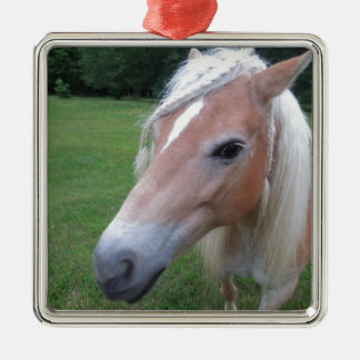 BLONDE HORSE METAL ORNAMENT
