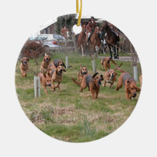 bloodhounds working round ceramic ornament