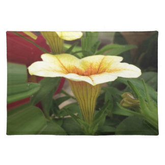 Bloom cups placemat