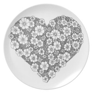 Blooming heart party plate
