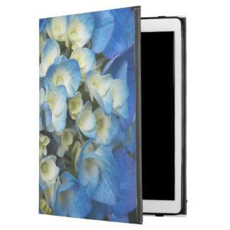 "Blue Blossoms Floral iPad Pro 12.9"" Case"