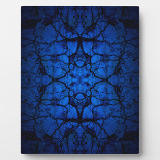 Blue cracked wall pattern plaque