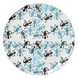Blue lizards pattern dinner plate