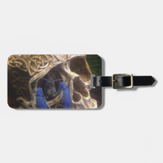 Blue lobster crayfish hanging out in a skull eye luggage tag