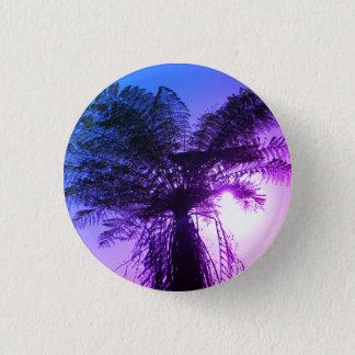 blue-purple bicoloured 'sunrays peeping' button
