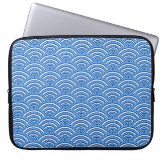 Blue scales pattern laptop sleeve