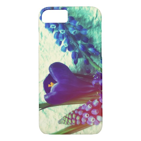 Blue spring flowers on textured background iPhone 7 case