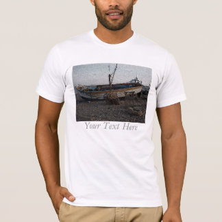 boat on pebble beach lobster pots engraved photo T-Shirt