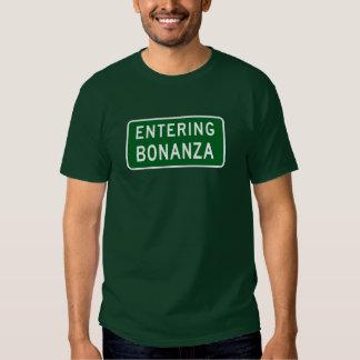 Bonanza, Road Marker, Oregon, USA Tshirts