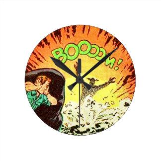 Boooom! Round Clock