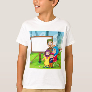 Border design with muslim family T-Shirt