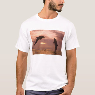 Bottlenose Dolphins Tursiops truncatus) 14 T-Shirt