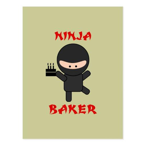 boulanger de ninja avec le gâteau carte postale
