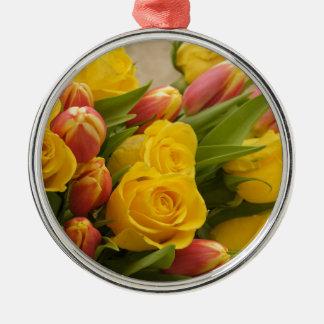 bouquet metal ornament