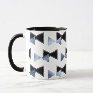 Bow-tie triangle shape print mug