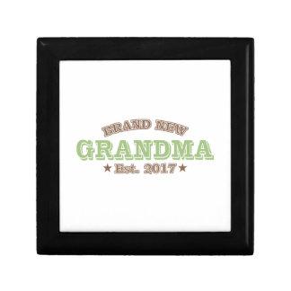 Brand New Grandma Est. 2017 (Green) Jewelry Boxes