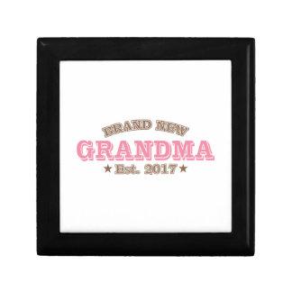Brand New Grandma Est. 2017 (Pink) Keepsake Boxes