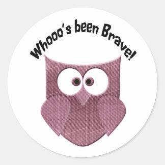 Brave Pink Owl Classic Round Sticker