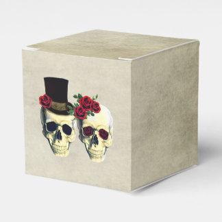 Bride & Groom Skull Wedding Party Favor Wedding Favor Box