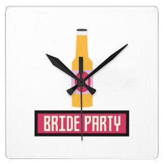Bride Party Beer Bottle Z6542 Clock