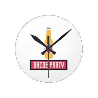 Bride Party Beer Bottle Z6542 Wallclock