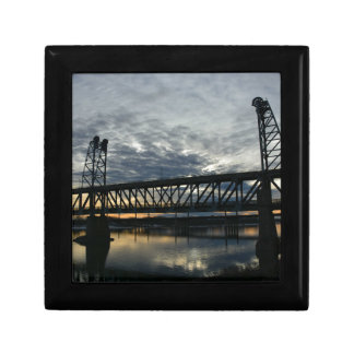 Bridge Gift Box